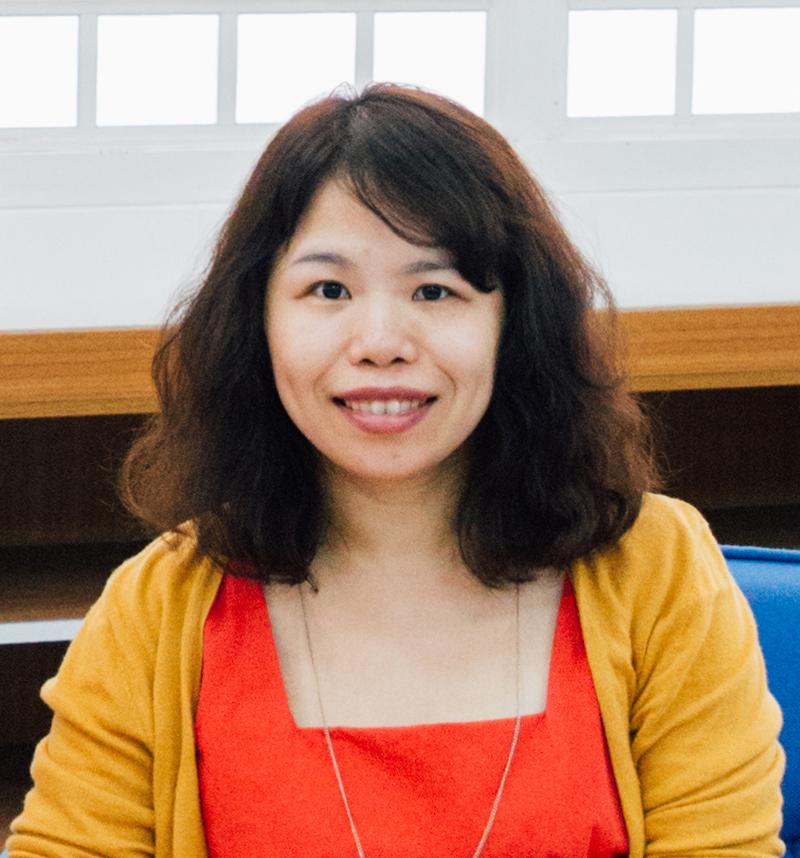 小說家、教育工作者|陳育萱